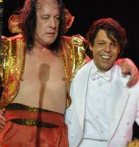 Kasim Sulton and Todd Rundgren at AWATS gig in Chicago, IL, 09/12/09 - photo by Whitney Burr