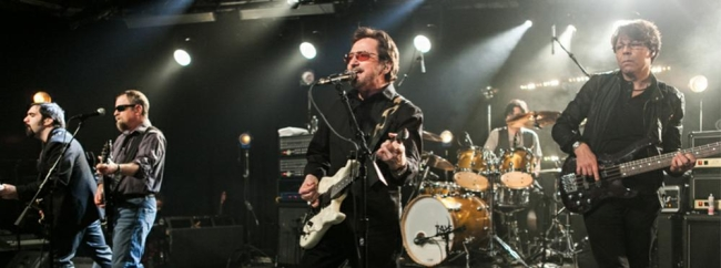 Kasim Sulton with Blue �yster Cult